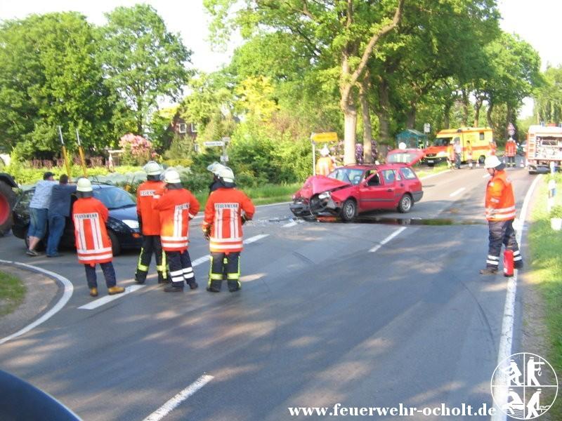 25.05.2012 um 17:15 Uhr – Verkehrsunfall mit 3 beteiligten Fahrzeugen