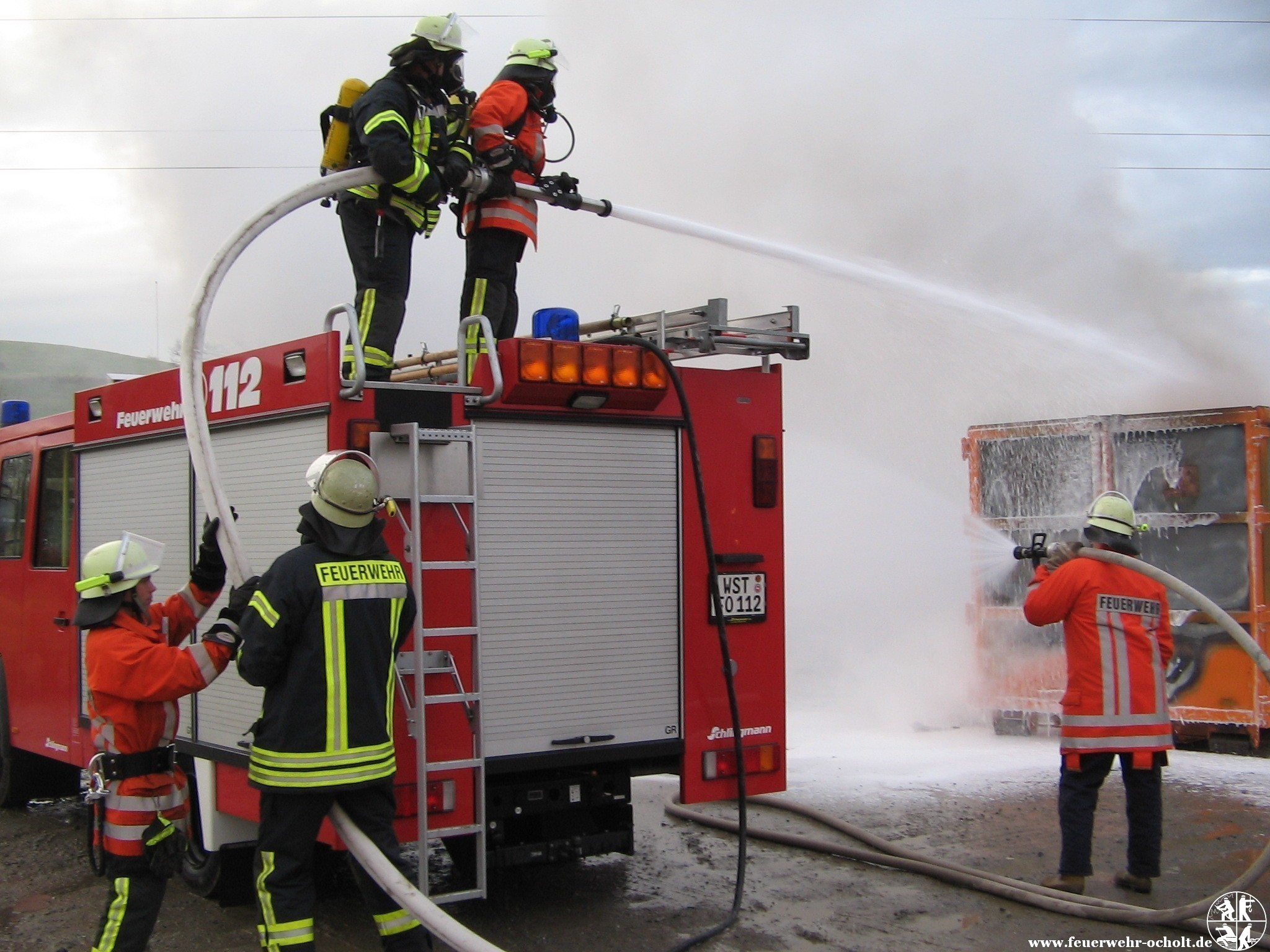 26.11.2012 um 14:41 Uhr – Containerbrand Mülldeponie
