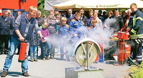 """02.06.2013 – Vorführungen beim """"Tag der offenen Tür"""" in Ocholt – Neues Fahrzeug vorgestellt"""
