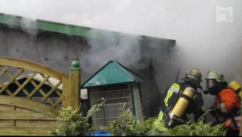 15.05.2012 um 13:30 Uhr - Einsatzstichwort Großbrand - Blockheizkraftwerk auf Reiterhof in Lindern brennt