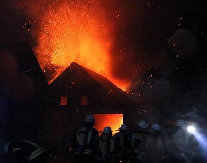31.03.2015 um 22:00 Uhr – Große Scheune völlig ausgebrannt